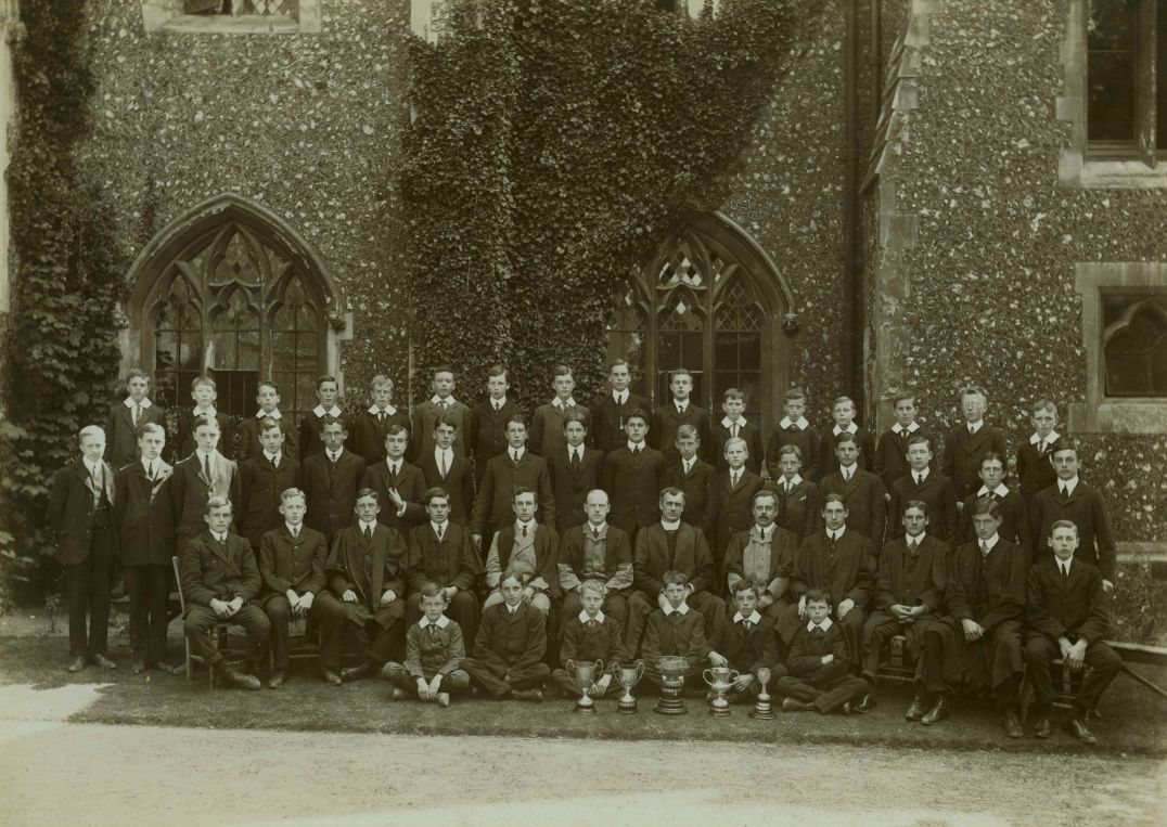 1908 school house photograph